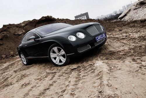 Внешний вид Bentley Continental GT - образец дизайнерской мысли. Фото carclub.ru.