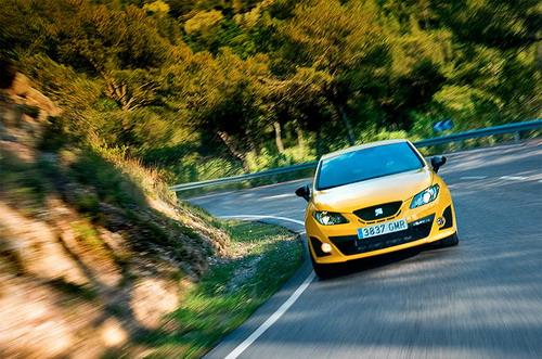 SEAT Ibiza Cupra. Фото Ленты.ру