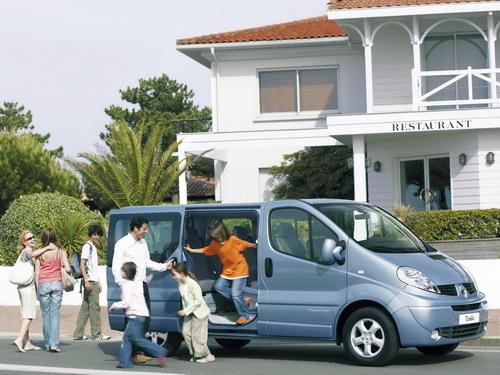 Renault Trafic Passenger. Фото Renault.