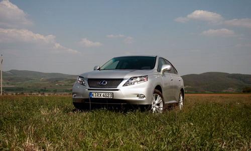 Lexus RX450h. Фото с сайта autonews.ru