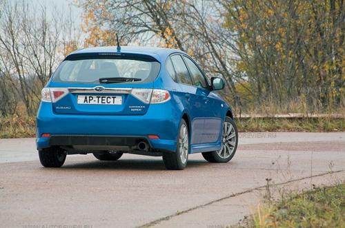 Subaru Impreza WRX. Фото Михаила Крюкова с сайта autoreview.ru.