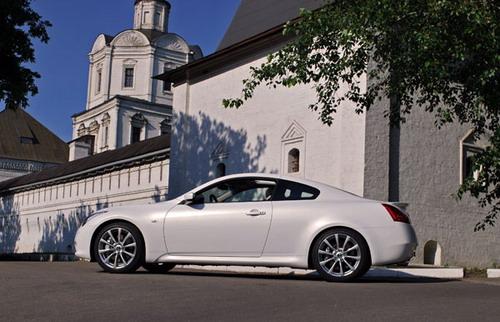 Infiniti G37 S Coupe. Фото с сайта auto.finam.ru