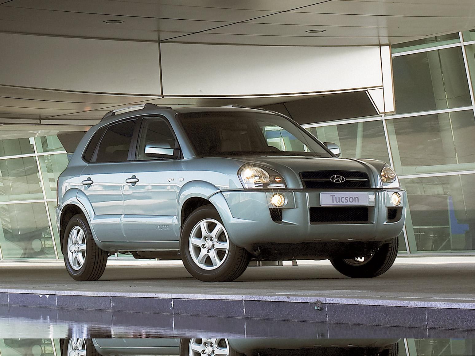 Фотографии Hyundai Tucson на сайте Автомобили мира.