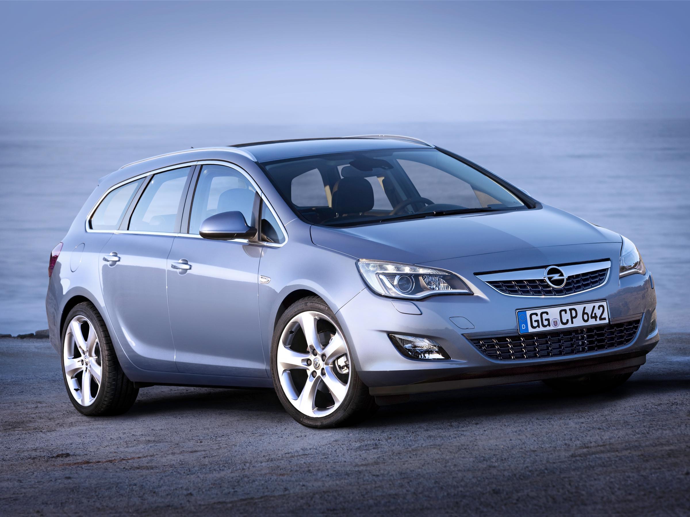 Новый Opel Astra обзавелся кузовом универсал (ФОТО) .