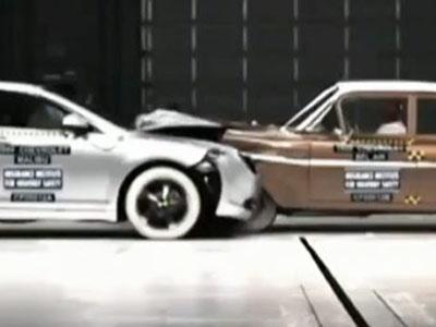 Скриншот видеоролика краш-теста Chevrolet Mailbu и Chevrolet Bel Air