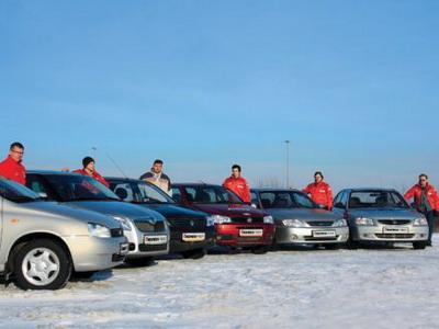Lada Kalina, Skoda Fabia, Renault Logan, Fiat Albea, Kia Spectra и Hyundai Accent. Фото Игоря Кузнецова, 5 колесо