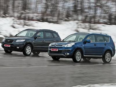 Hyundai Santa Fe и Citroen C-Crosser. Фото Сергея Гавриленко с сайта whatcar.ru