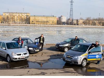 Chevrolet Aveo, Fiat Albea, Renault Symbol, Hyundai Accent. Фото Романа Останина с сайта kolesa.ru