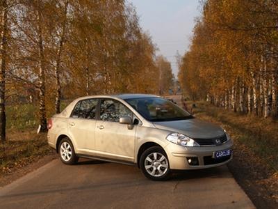 Nissan Tiida. Фото с сайта carclub.ru