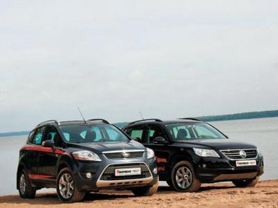 Ford Kuga и Volkswagen Tiguan. Фото Игоря Кузнецова, 5 колесо.