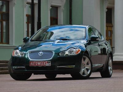 Jaguar XF. Фото Дарьи Сорокиной и Романа Мартынова с сайта AutoWeek.ru.