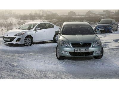 Mazda3, Skoda Octavia и Honda Civic. Фото Андрея Саакян с сайта apex.ru