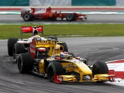 Виталий Петров. Фото Renault F1