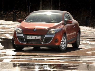 Renault Megane Coupe. Фото Влада Клепача с сайта apex.ru