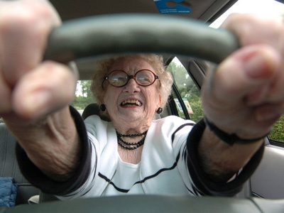 Старики за рулем: реальная опасность
