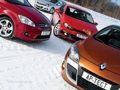 Kia pro_cee'd, Opel Astra GTC, Volkswagen Scirocco и Renault Megane Coupe. Фото Степана Шумахера с сайта autoreview.ru