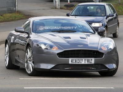 Шпионский снимок обновленного Aston Martin DB9. Фото с сайта motorauthority.com