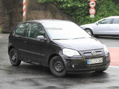 Volkswagen Up! в кузове Polo. Фото S.B.Medien с сайта worldcarfans.com