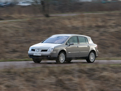 Renault Vel Satis. Фото Евгения Раздобарина с сайта Lenta.ru