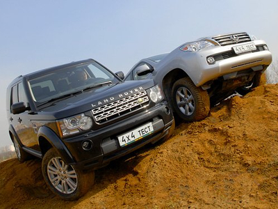 Land Rover Discovery 4 и Lexus GX460. Фото Александра Страхова-Баранова с сайта media.club4x4.ru
