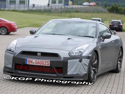 Nissan GT-R. Фото с сайта autoblog.com