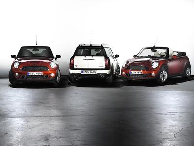 Обновленное семейство автомобилей Mini. Фото Mini