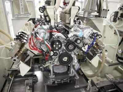 Двигатель Lexus LS 460. Фото Lexus