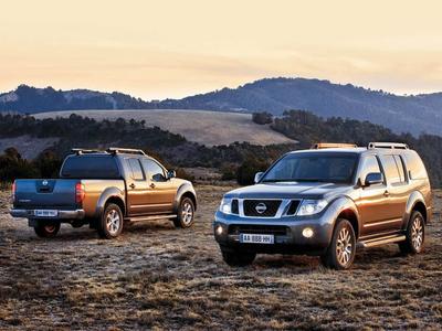 Nissan Navara и Nissan Pathfinder. Фото Константина Сорокина и компании Nissan с сайта autoreview.ru