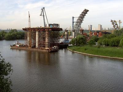 Строительство Живописного моста. Фото с сайта ru.wikipedia.org