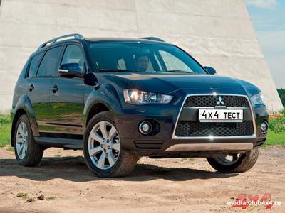 Mitsubishi Outlander XL. Фото Виктории Ильинской с сайта media.club4x4.ru