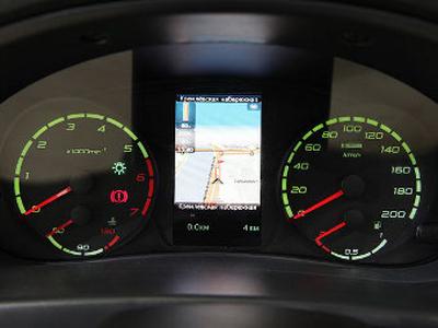 Прототип навигатора в автомобилях Lada. Фото Ленты.ру