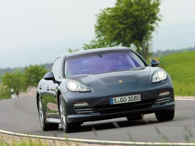 Porsche Panamera. Фото Валерия Арутина и компании Porsche с сайта autoreview.ru
