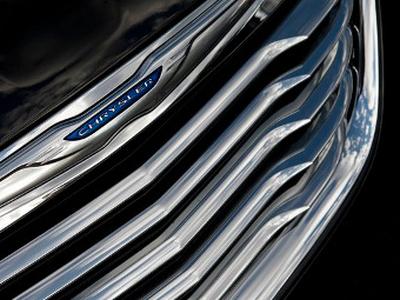 Тизеры нового Chrysler 200. Фото Chrysler