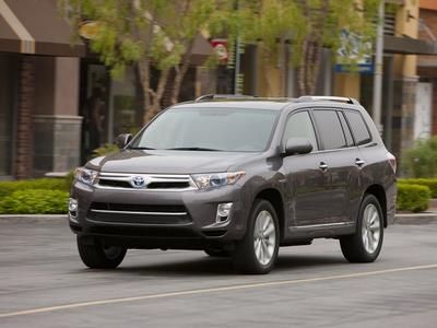 Toyota Highlander Hybrid. Фото Toyota