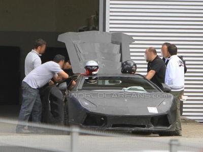 Новый суперкар Lamborghini. Фото с сайта worldcarfans.com