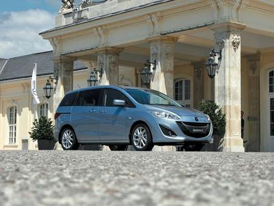 Mazda 5. Фото Олега Растегаева с сайта autoreview.ru