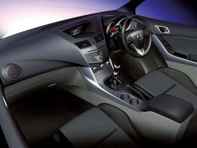 Салон нового Mazda BT-50. Изображение Mazda