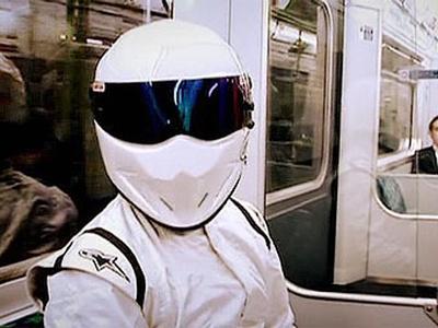 Шлем белого стига из top gear ушел с