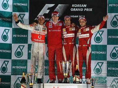Льюис Хэмильтон, Крис Даер, Фернандо Алонсо и Фелипе Масса. Фото Ferrari