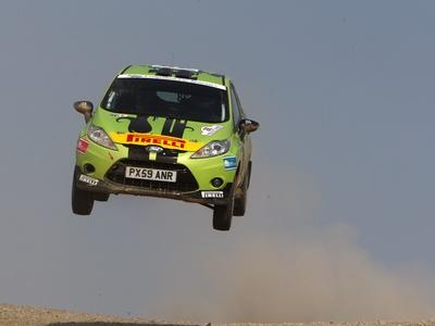 Fiesta R2 Rally Kit. Фото Ford