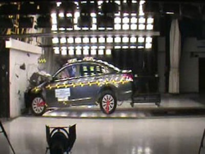 Краш-тест Honda Accord. Скрин-шот видео с сайта NHTSA