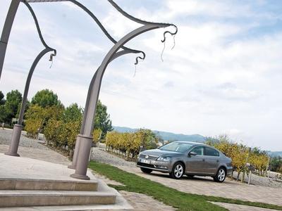 Volkswagen Passat. Фото Сергея Знаемского и компании Volkswagen с сайта autoreview.ru
