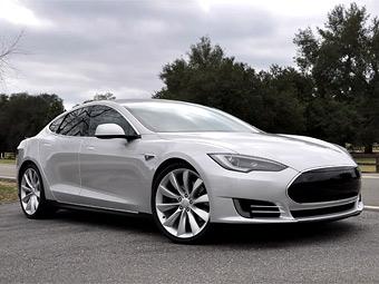 Предсерийный экземпляр Tesla Model S. Фото Tesla