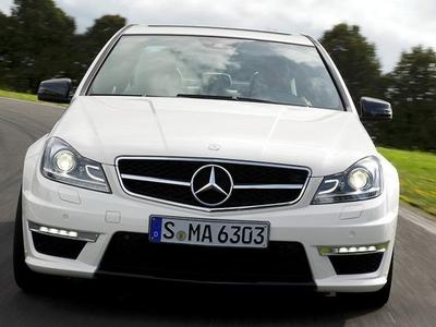 Mercedes-Benz C63 AMG. Фото Mercedes-Benz