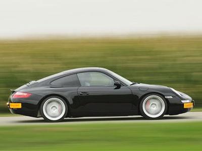 Первый экспериментальный электрокар RUF, построенный в 2008 году на базе Porsche 911. Фото RUF
