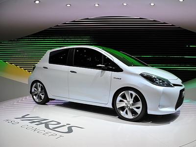 Toyota Yaris HSD. Фото с сайта autoevolution.com