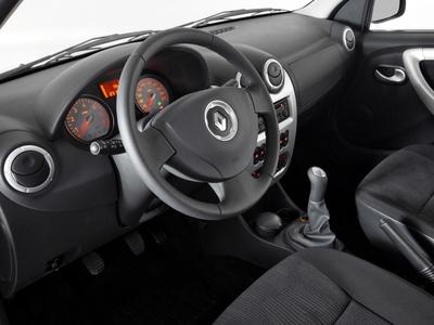 Фото Renault