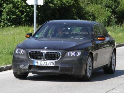 BMW 7 Series. Фото с сайта worldcarfans.com
