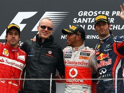 Фернандо Алонсо, Симон Робертс, Льюис Хэмилтон и Марк Уэббер. Фото Red Bull Racing