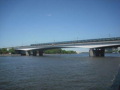 Нагатинский метромост. Фото с сайта wikipedia.org
